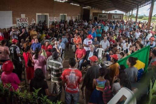 Assembleia de sem-terra em Campo do Meio (MG)