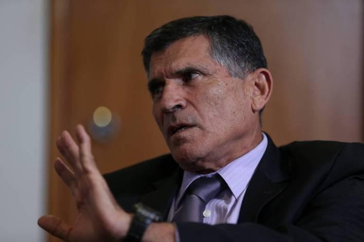Bolsonaro demite general Santos Cruz da Secretaria de Governo da Presidência