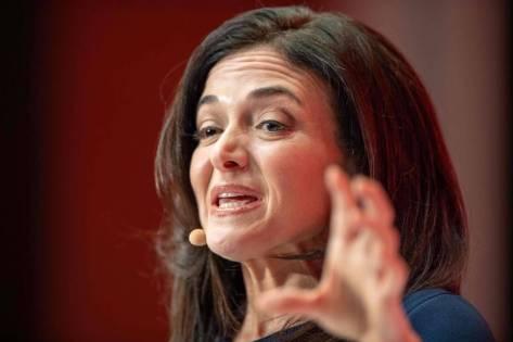 Sheryl Sandberg, chefe de operações do Facebook; junto a outros líderes, ela adotou discurso menos otimista em relação a outros fóruns mundiais