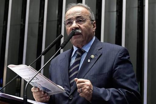 O senador Chico Rodrigues (DEM-RR), vice-líder do governo Bolsonaro, que contratou primo dos filhos do presidente como assessor
