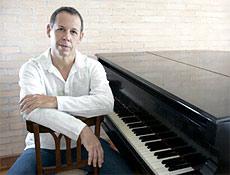 Pianista Fábio Caramuru (foto) é o diretor musical do projeto Pocket Trilhas, em SP
