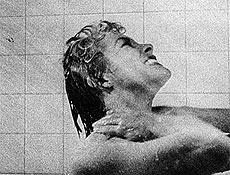 """Fotograma da famosa sequência da banheira do filme """"Psicose"""", de """"Alfred Hitchcock"""