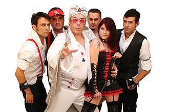 Roqueiros irreverentes da banda Velhas Virgens comemoram 25 anos de carreira e lançam DVD em show no Carioca Club