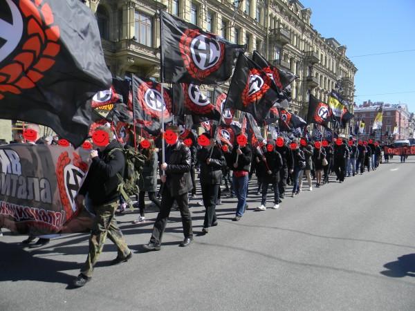 марш неонацистов в Сантк-Петербурге