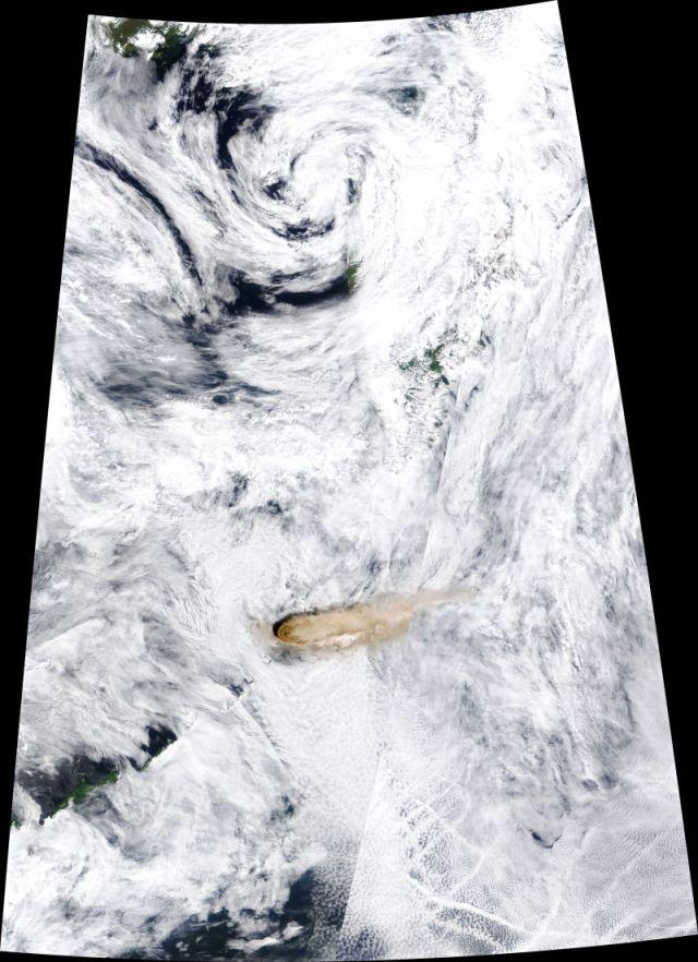 Imagen satelital de la erupción de Raikoke