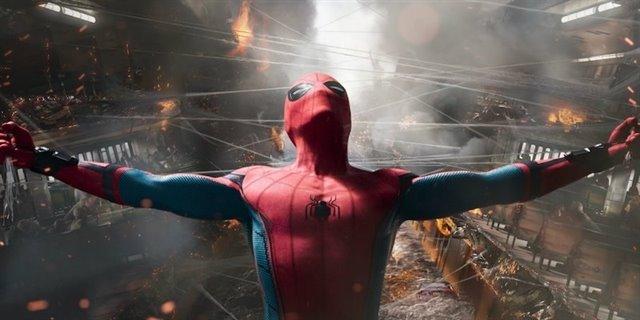 15. SPIDER-MAN: HOMECOMING. Luego de que Spider- Man trabaje junto a Los Vengadores en Civil War, Peter Parker debe enfrentarse al Buitre, un criminal que se dedica a vender armas con tecnología chitauri. Además, vemos cómo se fortalece la relación mentor- alumno de Tony Stark con el joven Peter.