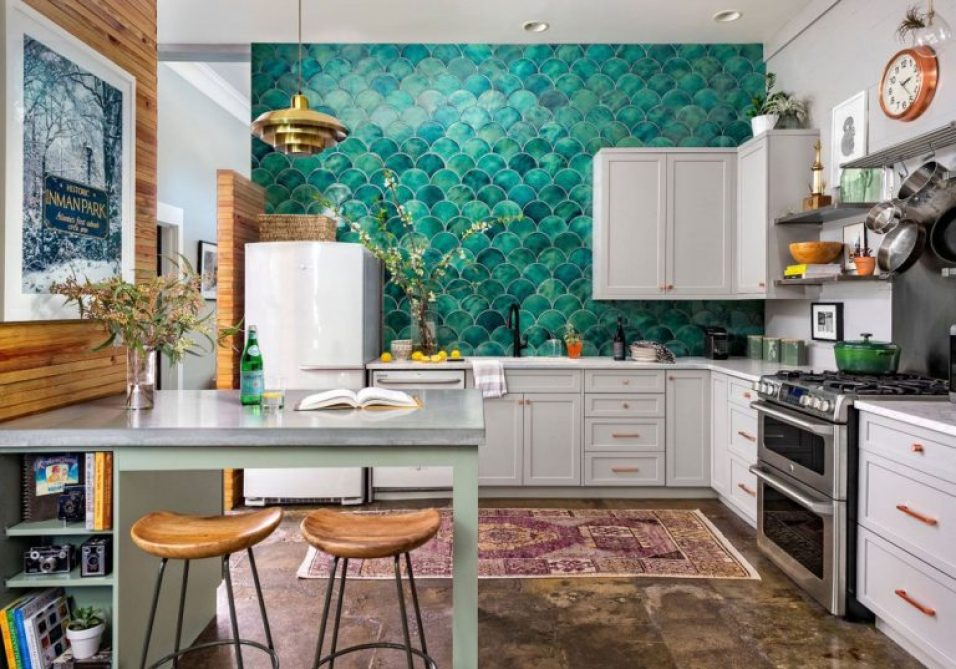 dapur dengan backsplash warna tosca
