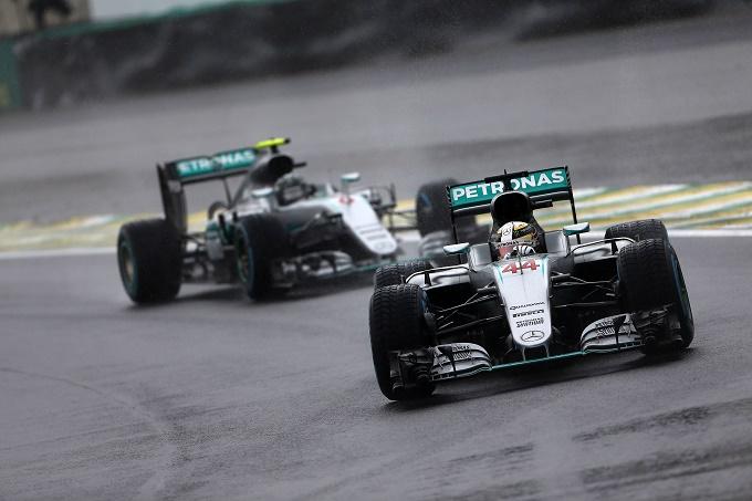 """Horner: """"Hamilton? Non ha nulla da perdere ad Abu Dhabi nel confronto con Rosberg"""""""