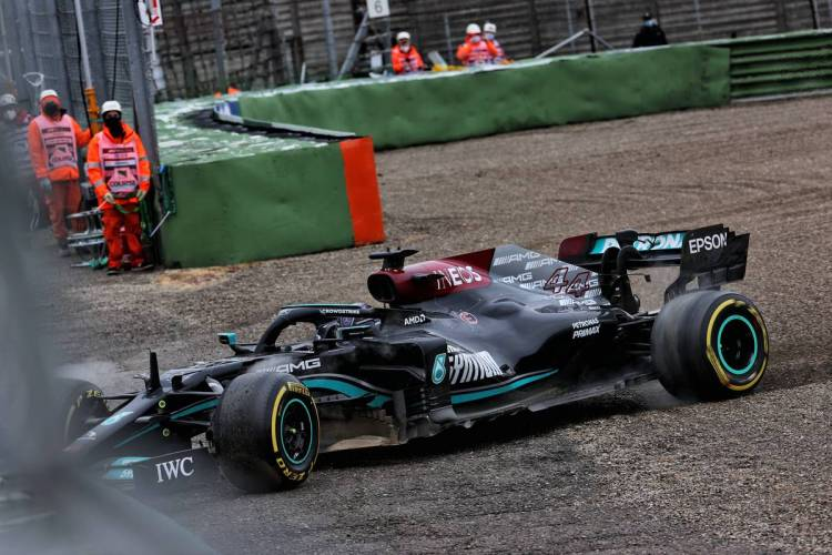Too much of a hurry': Hamilton owns up to Imola mistake - F1i.com