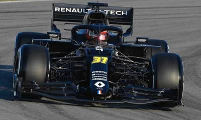 RENAULT HAS STARTED OFF ITS 2020 CAMPAIGN IN AN ALL-BLACK LIVERY