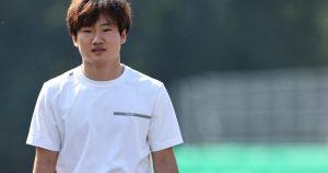 Tsunoda surprised to be kept on as 'I keep crashing'