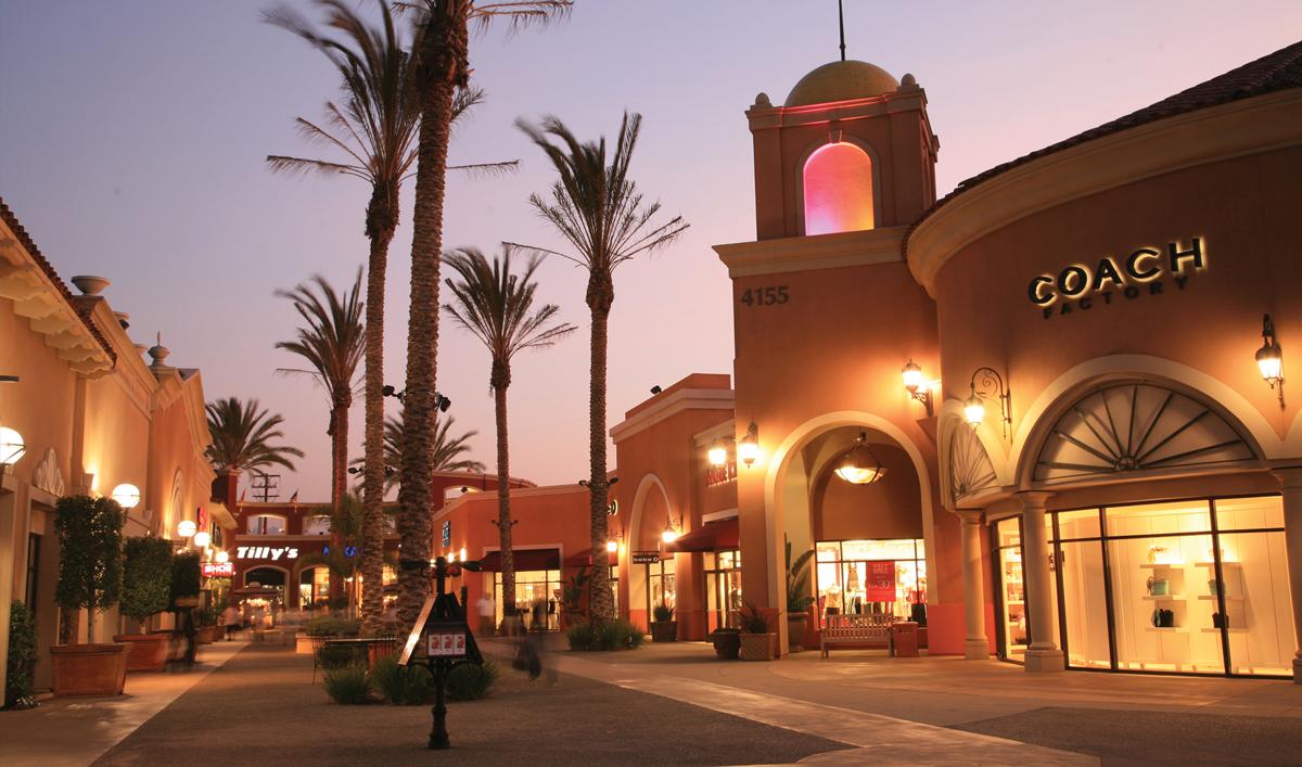 Do Business at Las Americas Premium Outlets a Simon
