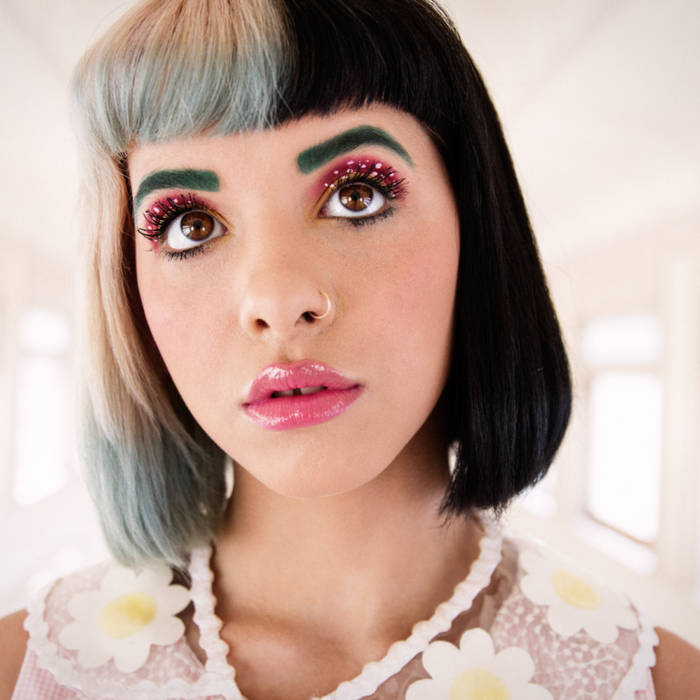 Melanie Martinez Wallpaper Cute Pixel Dollhouse Melanie Martinez Chasing Erin
