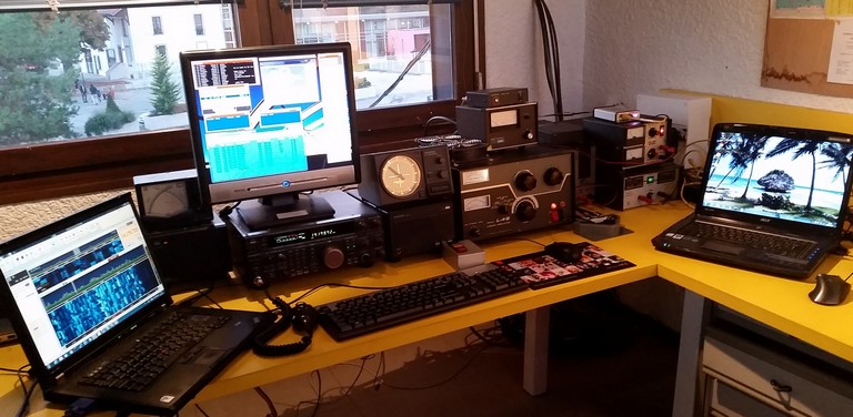 station-tx-01-lr