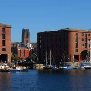 Albert Dock (5) cropped