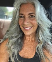 3 ways wear gray hair over 40