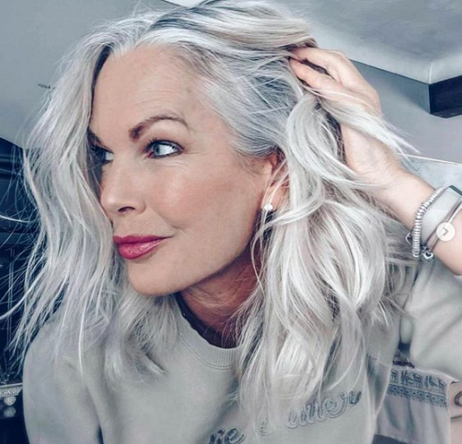3 Ways To Wear Gray Hair Over 40