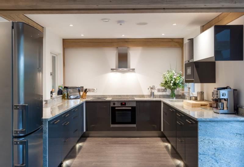 kitchen layout ideas cabinets phoenix 舒适的u形厨房 布局的想法 fabalabs org