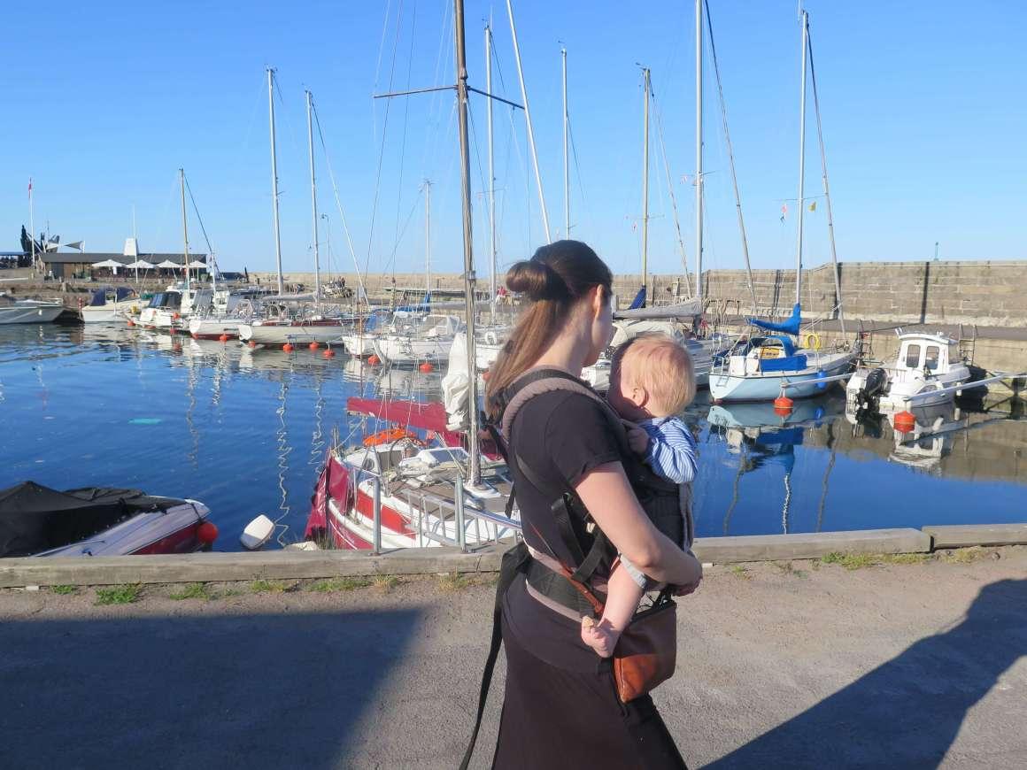 Svaneke Havn med baby