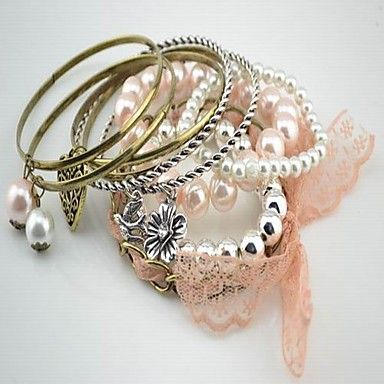 heart-and-pearls-stacked-bracelet_rzfpbr1329302523190