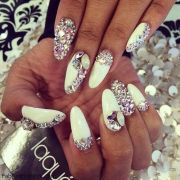 glitter nails trend ideas & inspiration