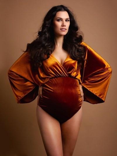 Velvet Bodysuits For Pregnancy Photo Shoot