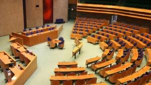 Ook Den Haag begint in te zien dat het zo niet langer kan.