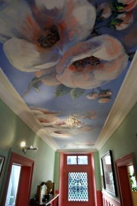 Peinture Florale. Plafond peint pour une entrée. www.fabiennecolin.com