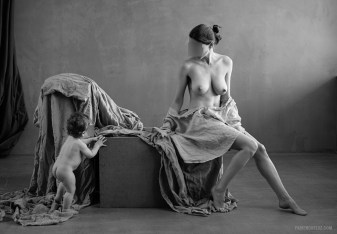 Meilleur photographe à Neuchâtel, studio photo artistique, grossesse, portraits et mode, nus artistiques