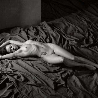Photographie argentique de nu féminin