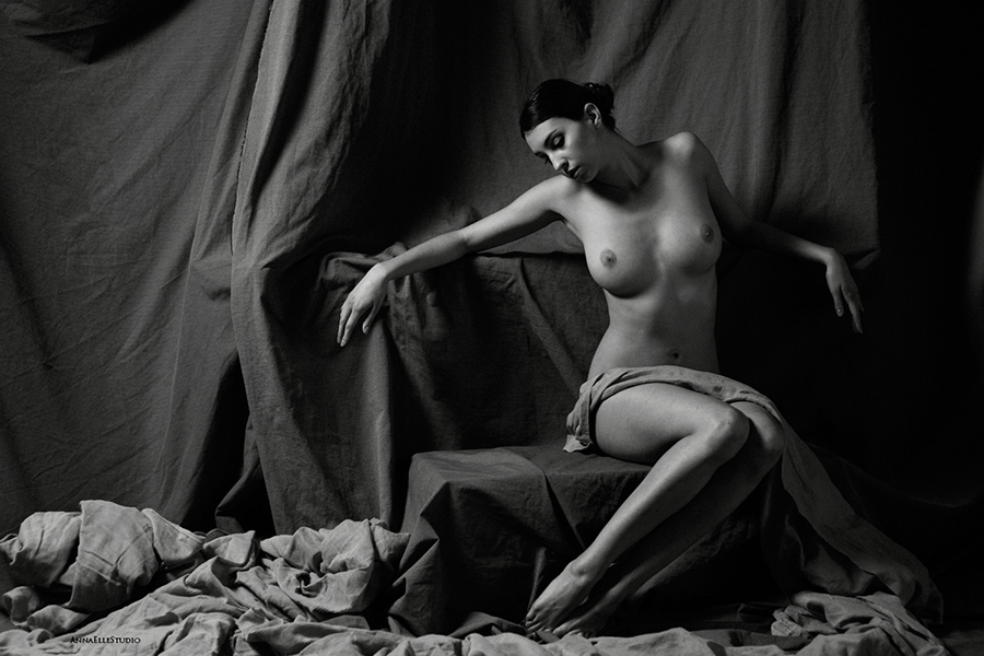 art nude model shot by Anna ElleStudio