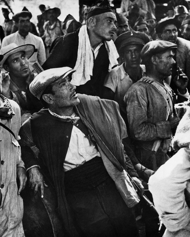 Robert Capa Guerre D Espagne : robert, guerre, espagne, Marche,, Requiem, Visuel,, Robert, Capa,, Photographe, Fabien, Ribery