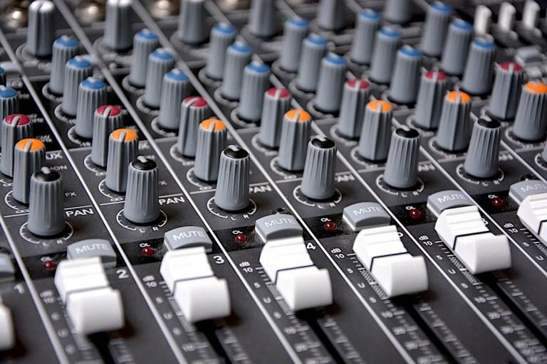 Equalizzatore audio: cos'è, come utilizzarlo efficacemente e 6 fantastici plugin