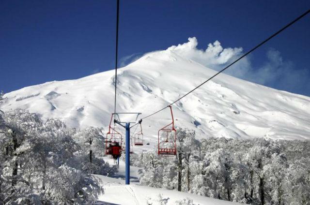 Teleférico que leva até a última base do Vulcão Villarica, a aproximadamente 1.200 metros de altura.