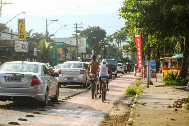 A Praia do Itaguá e a Praia do Cruzeiro formam a orla do centro de Ubatuba