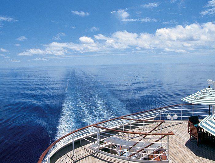 Programa conduz viajantes a bordo de cruzeiros