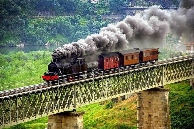 Trem histórico do Douro volta a circular