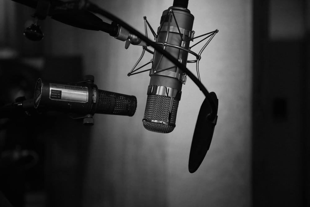 Tipos de microfone [Guia completo de microfones + exemplos!]