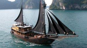 El Aeph at sail