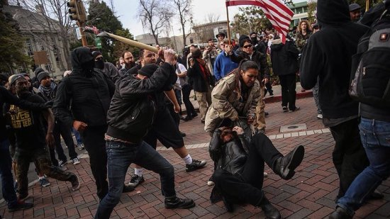 Violence a Berkeley Rally 4 Trump