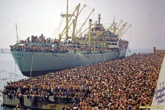 Refugees arrive by sea