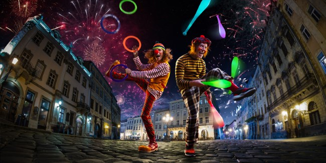 Clowns on the street - Dreamstime_128496492