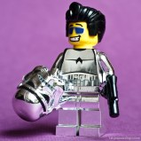 Lego-Minifig-Chrome-Stormtrooper-Promotional-Pack-Blog-Fabjoueauxlego-2
