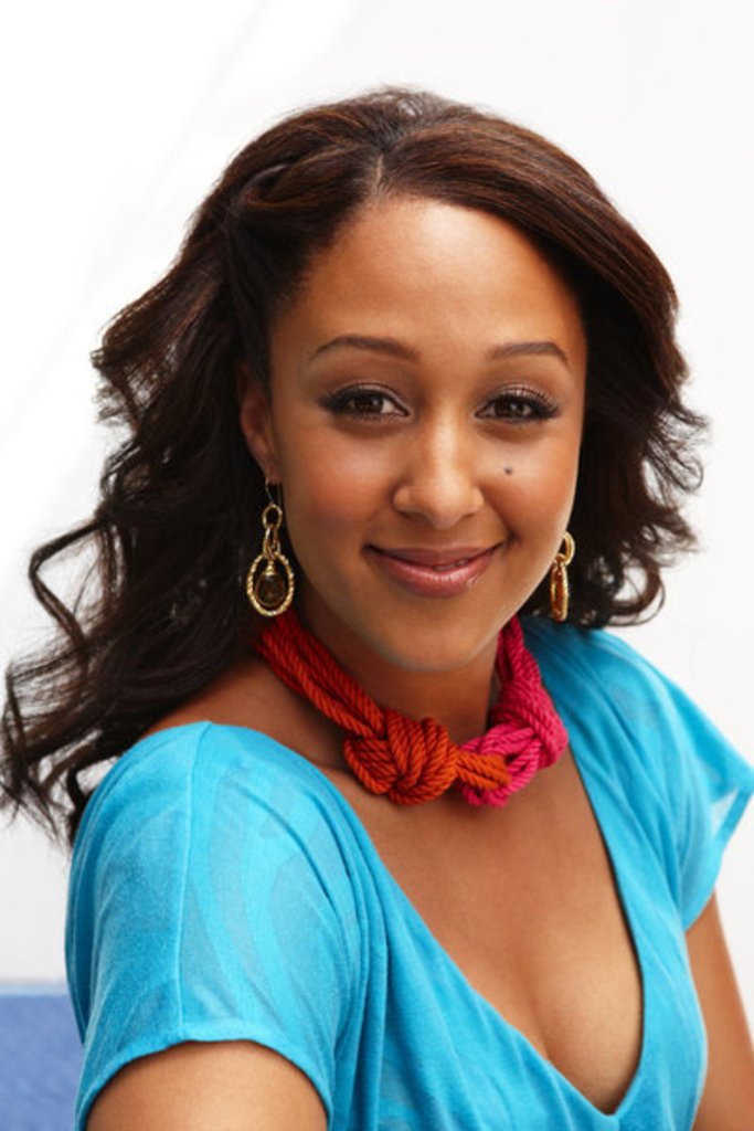 """Tamera Mowryhousley Shows Off Her Natural Curls On """"the"""