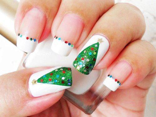15 Simple Christmas Tree Nail Art Designs Ideas