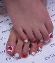 cute valentine's day toe nail art