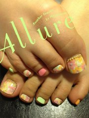 summer themed toe nail art