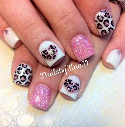 A Cute Looking French Manicure Ensemble The Nails Use Clear Polish As Base Then