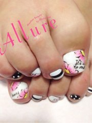 pretty toe nail art design