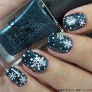 winter snowflake nail